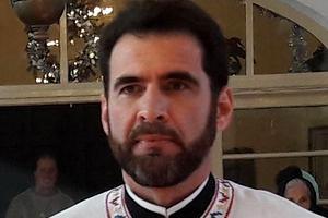 """Mesajul unui preot pe Facebook, imediat după ordonanța militară: """"Măcar 100 să fim mâine la biserică"""""""